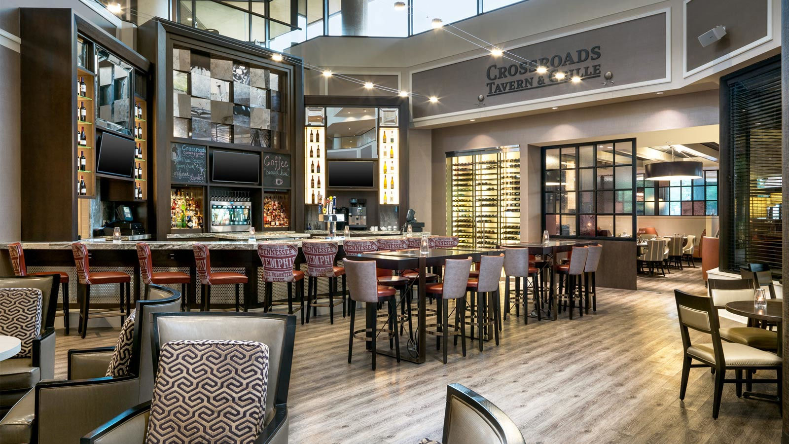 Sheraton Memphis Downtown Hotel Restaurant - Crossroads Tavern and Grille